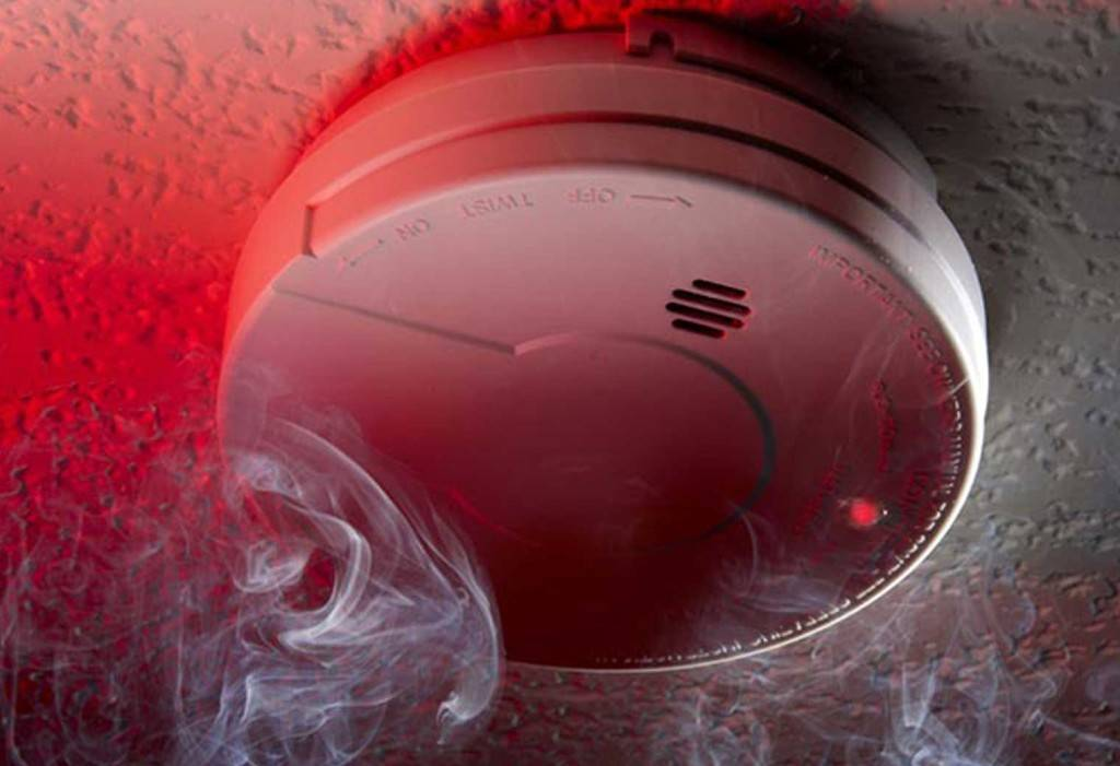 smoke alarm red